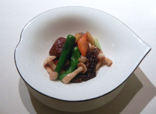 Wok-Fried Superior Australian Wagyu Beef Cubes with Morel Mushrooms and Bell Peppers