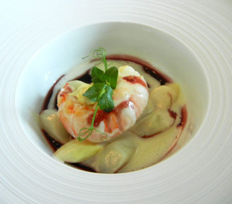 Langoustine, white asparagus and port