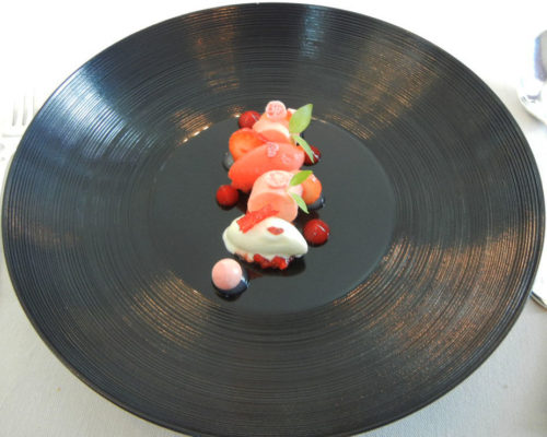 Composition of Gariguette strawberries with lime cress.